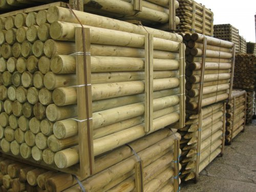 Machine Rounded Tanalised Stakes