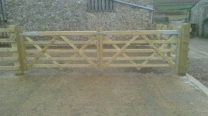 Standard Diamond Braced Field Gate